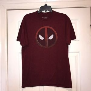 Marvel T-Shirt Maroon in Color Size Large